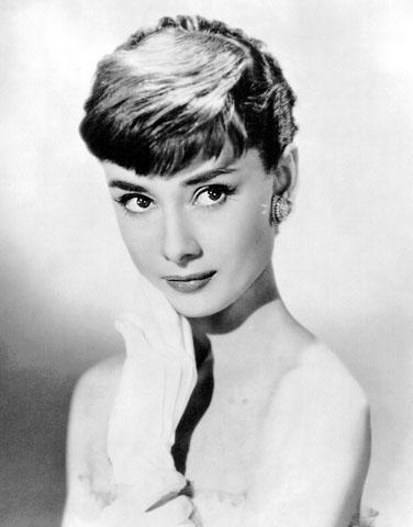 Audrey Hepburn P Gina 9 Vogue